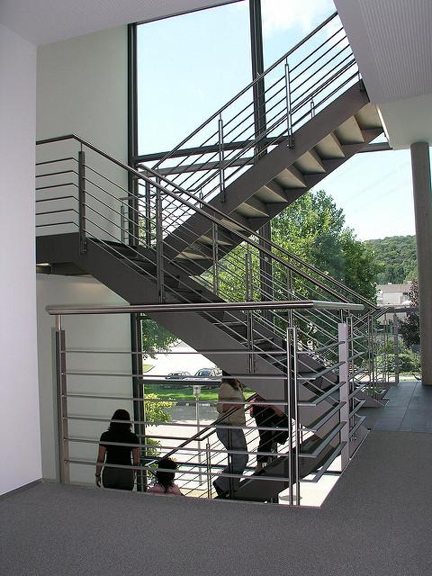 Wer Sein Haus Umbaut Oder Ein Neues Haus Baut Muss Sich über Kurz Oder Lang  Gedanken über Eine Geeignet Treppe In Den Ersten Stock Machen.